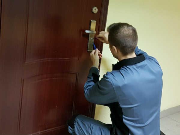 вскрытие дверей в Подольске